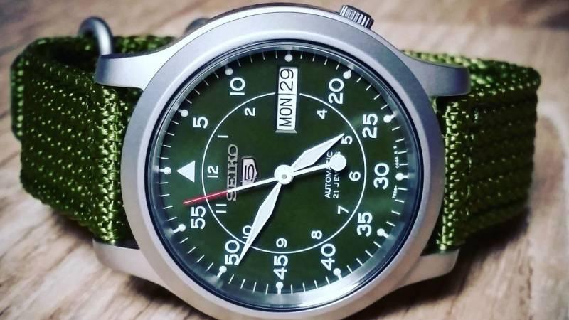 Un consiglio per un orologio da uomo a 100 euro? Te ne diamo 16