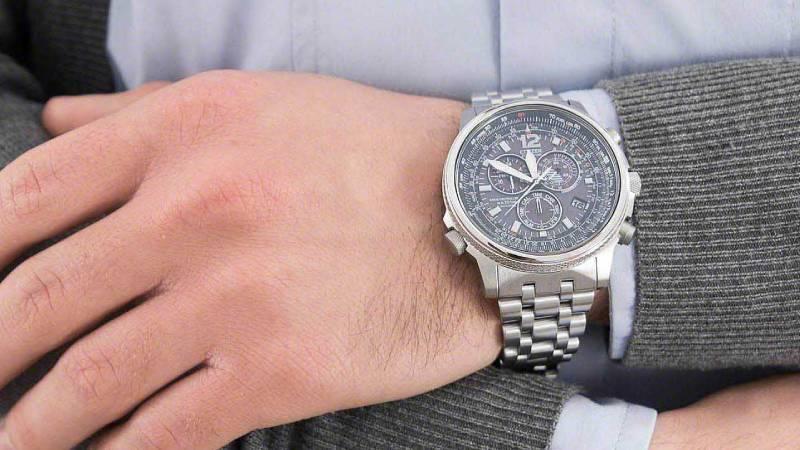 Hai un budget di 500 euro per il tuo orologio da uomo? Ecco cosa scegliere