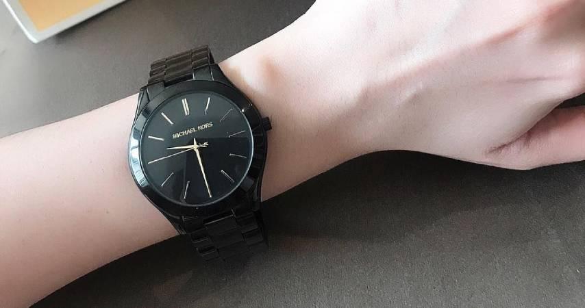 Orologio nero donna: Daniel Wellington, Casio, Cluse e Swatch