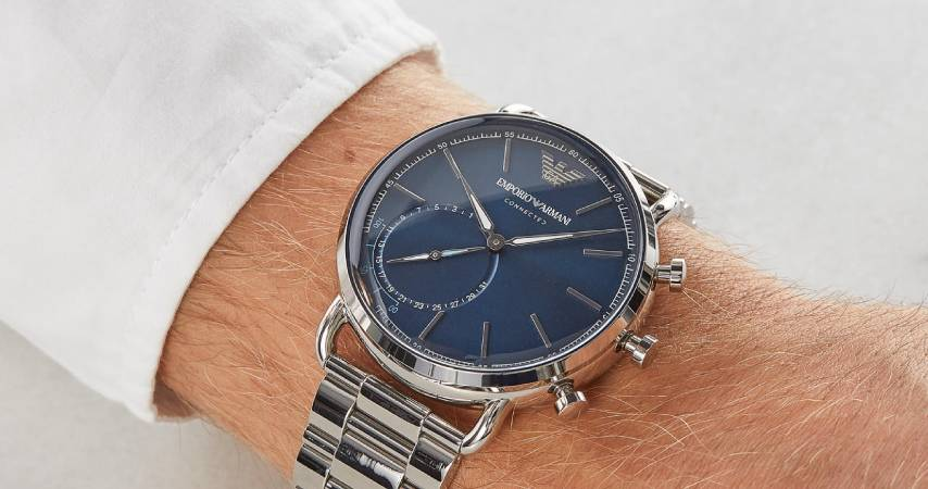 20 Smartwatch con cinturino in acciaio