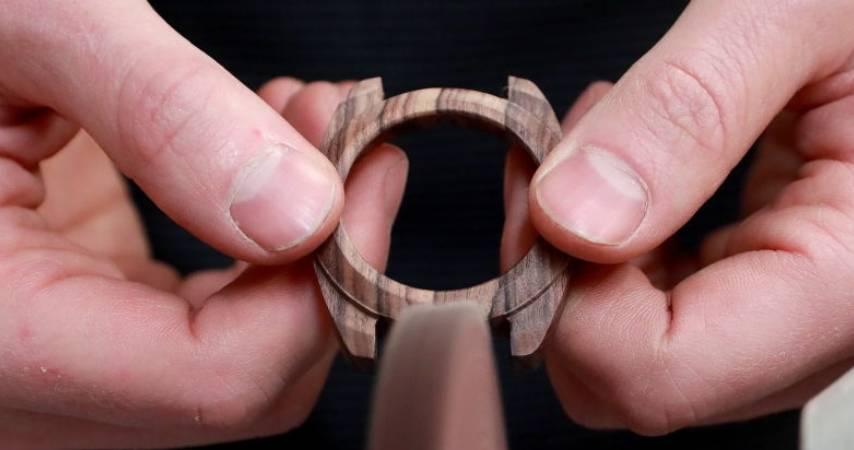 Guida alla creazione di un orologio da polso in legno: assemblare tutti i pezzi